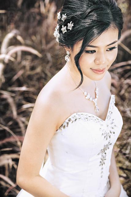 Lesley Goh Bridal